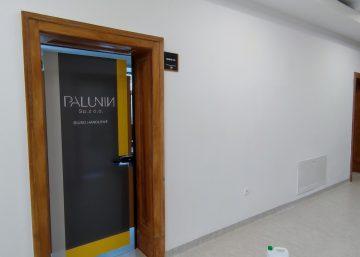 Oklejanie drzwi folią zadrukowanąi zalaminowaną dla Palunin w Bytomiu - www.mkdesign.pl
